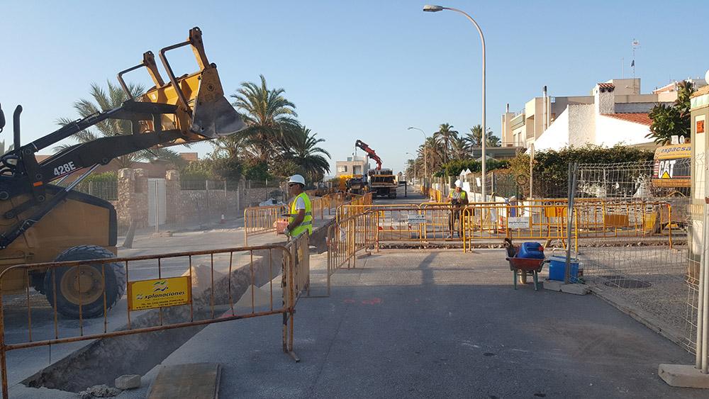 Saneamiento y asfaltado Urbanización La veleta