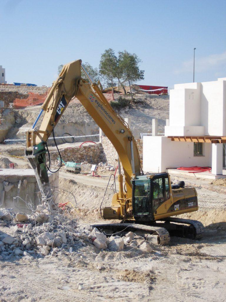 Demolición estructuras en Sector PAU-21
